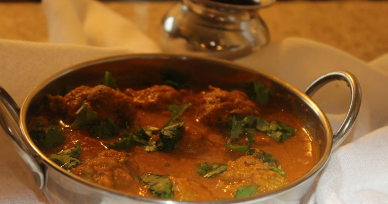 Mutton Kola Urundai Kulambu| Spicy Goat Meatball Curry